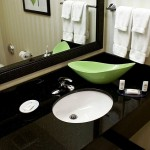 Fairfield Inn & Suites Fort Lauderdale Bathroom